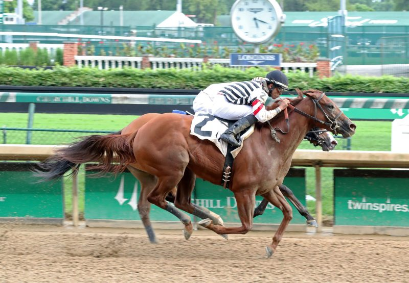 Reagans Edge (Competitive Edge) winning at Churchill Downs