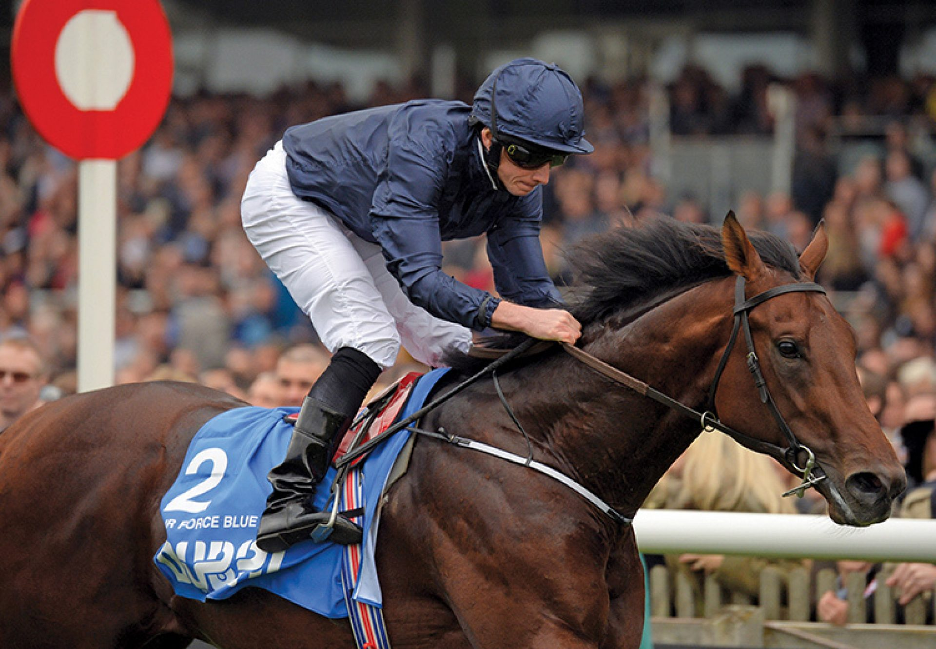 Air Force Blue wining the Dewhurst Stakes at Newmarket