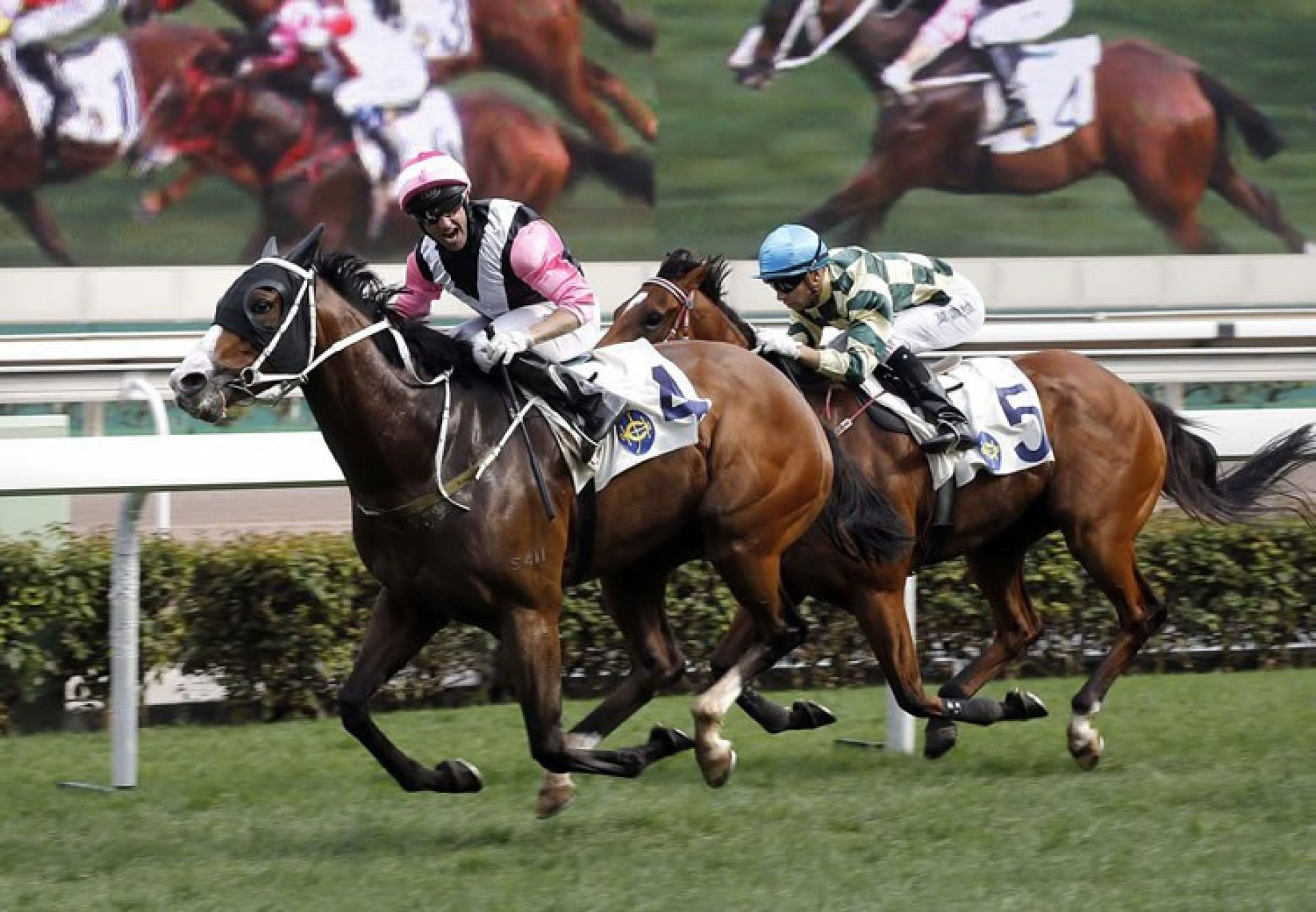 Beauty Only (Holy Roman Emperor) winning the Gr.2 Chairmans Trophy at Sha Tin