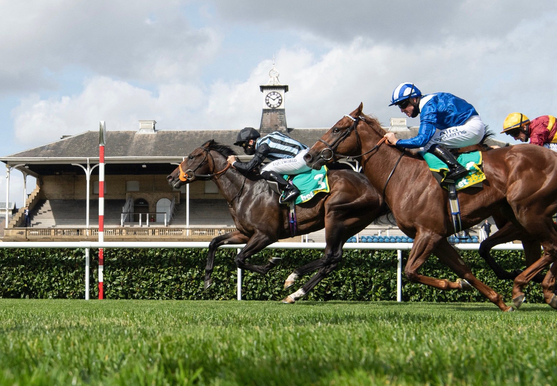 Chindit (Wootton Bassett) Wins The Group 2 Champagne Stakes at Doncaster