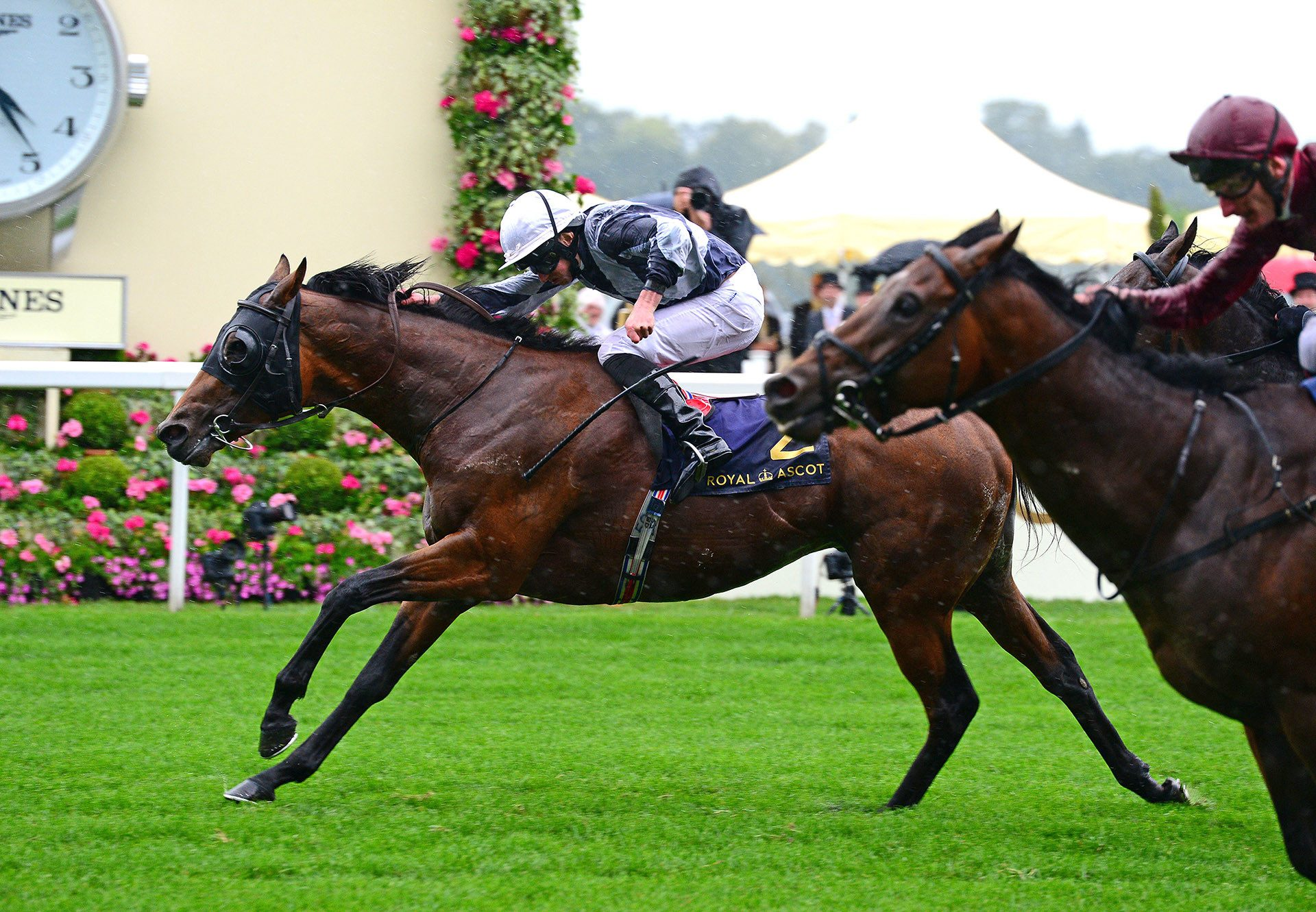Circus Maximus (Galileo) winning the Gr.1 St James's Palace Stakes at Royal Ascot