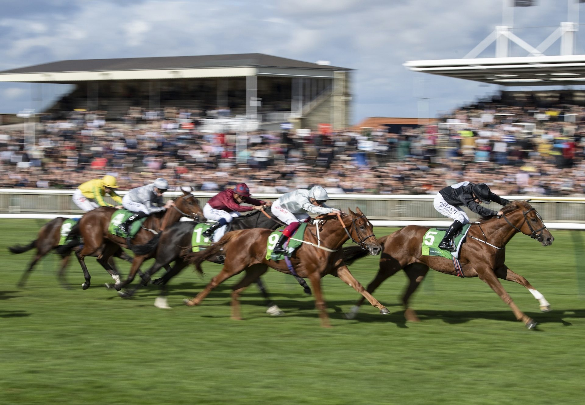 Millisle (Starspangledbanner) winning the Gr.1 Cheveley Park Stakes at Newmarket