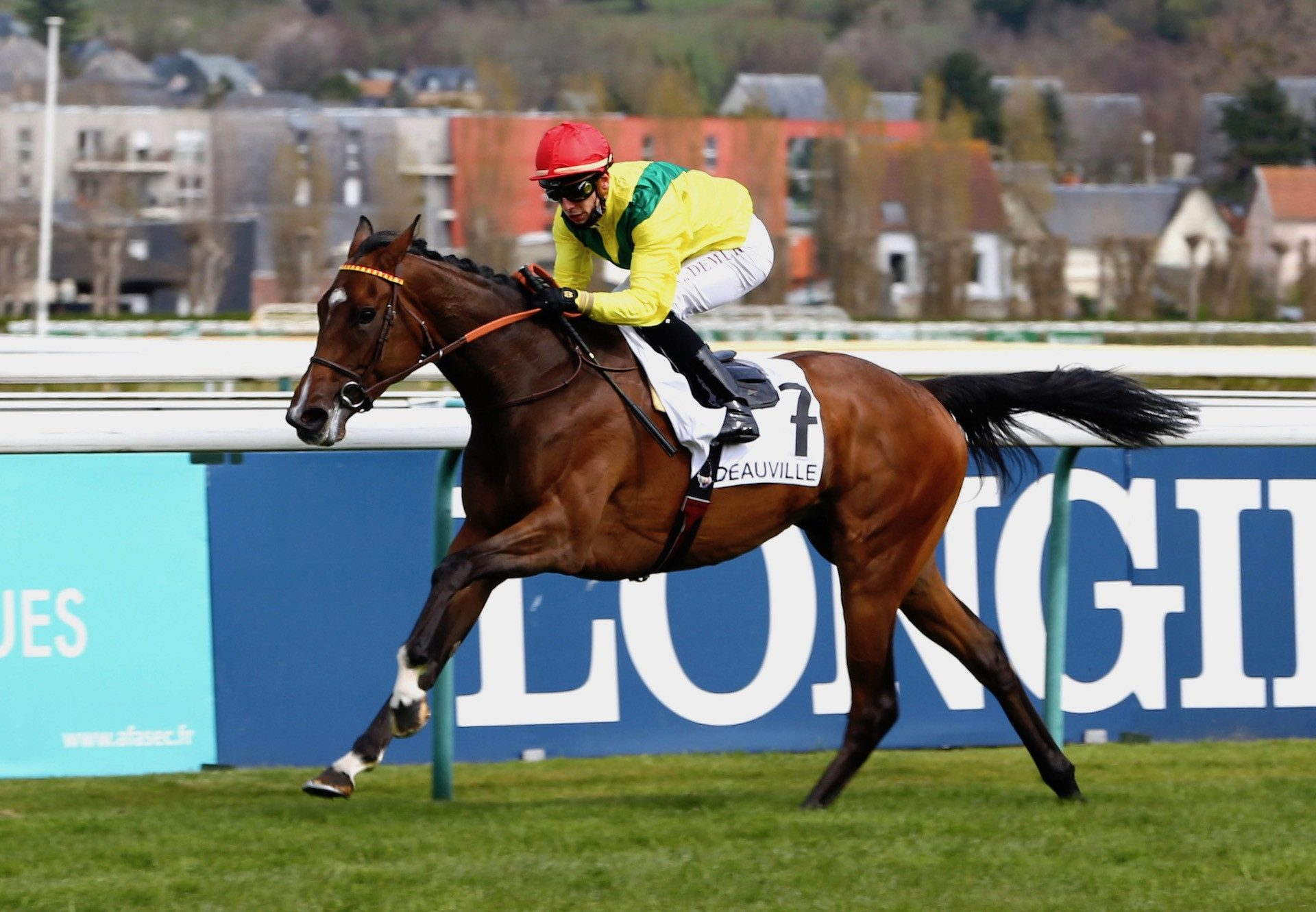 Penja (Camelot) Wins The Prix Dumka At Deauville