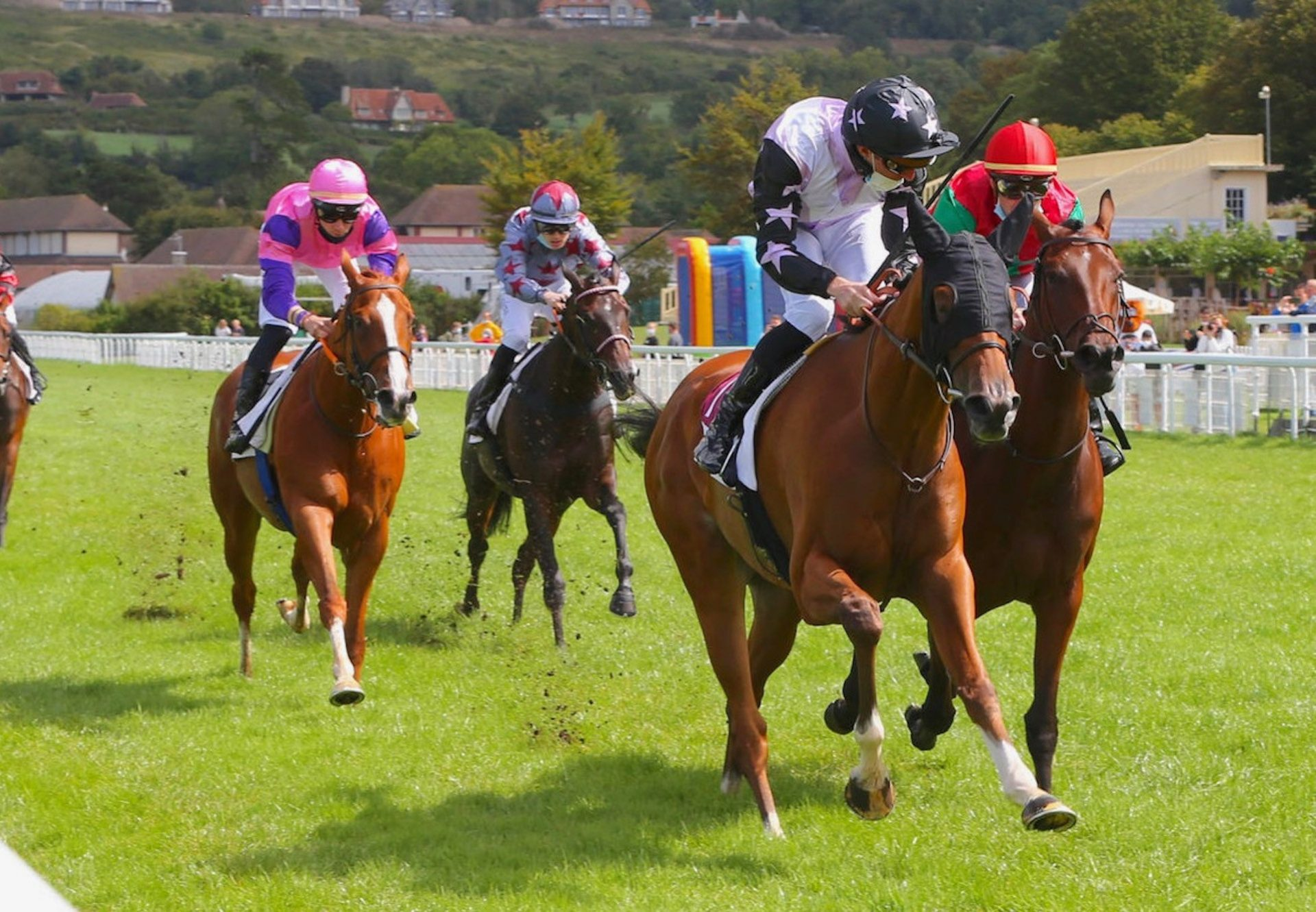 Perle D'Ivoire (Starspangledbanner) Wins Her Maiden At Clairefontaine