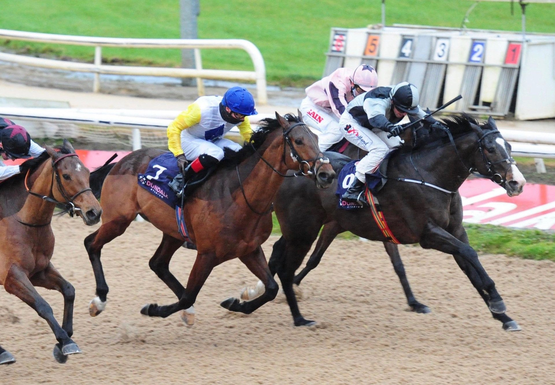 Pin Your Hopes Wins Her Maiden At Dundalk 1
