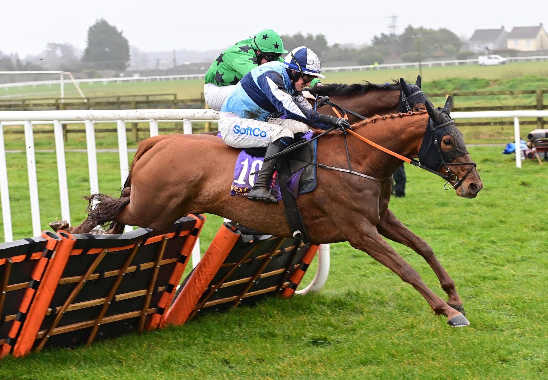Socially Distant (Mahler) Wins The Mares Maiden Hurdle At Wexford