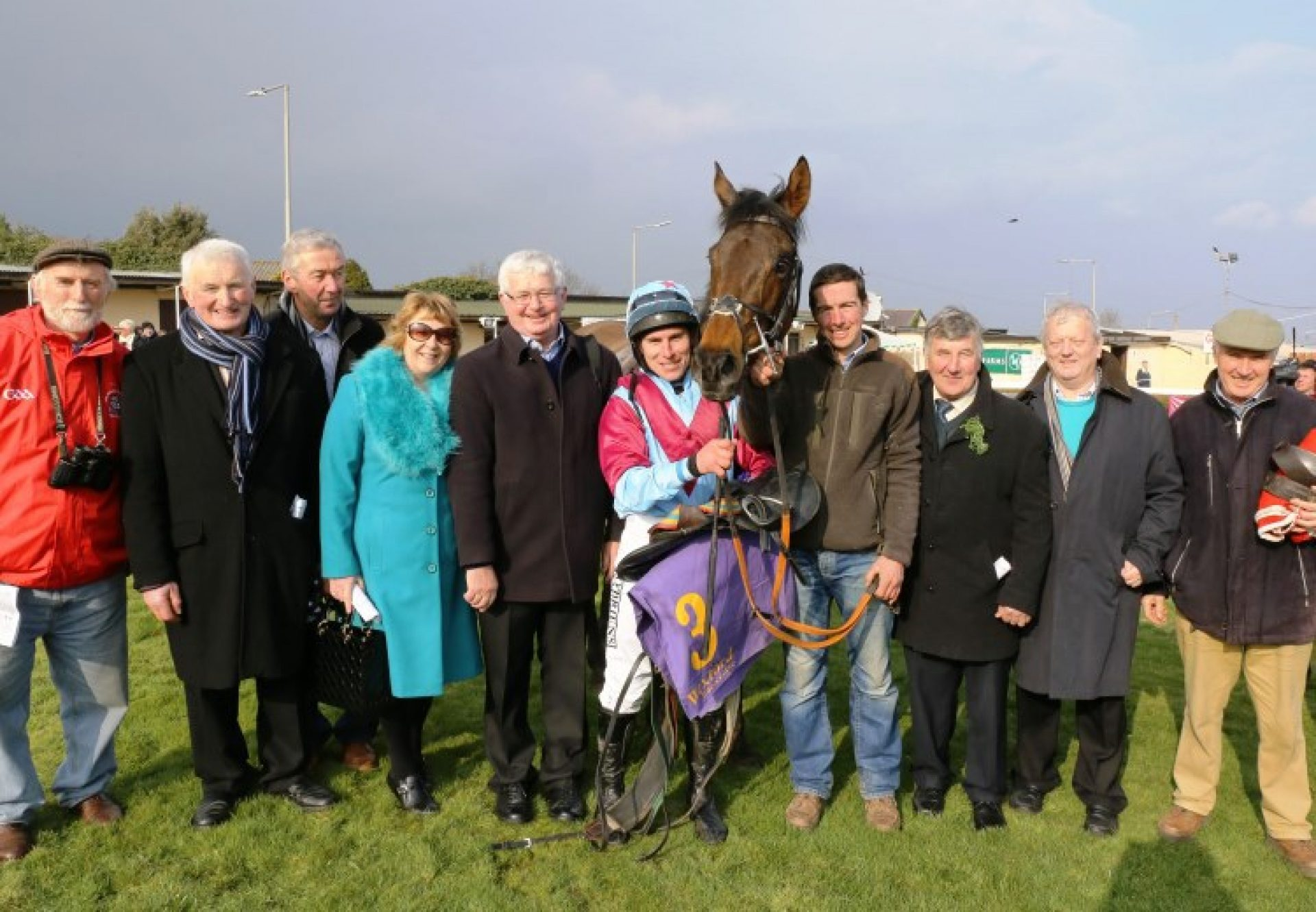 Westerner Point (Westerner) with winning connections