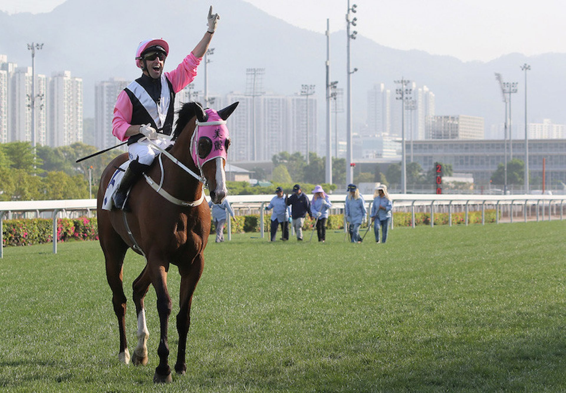 Beauty Only (Holy Roman Emperor) winning the G2 Chairman's Trophy at Sha Tin
