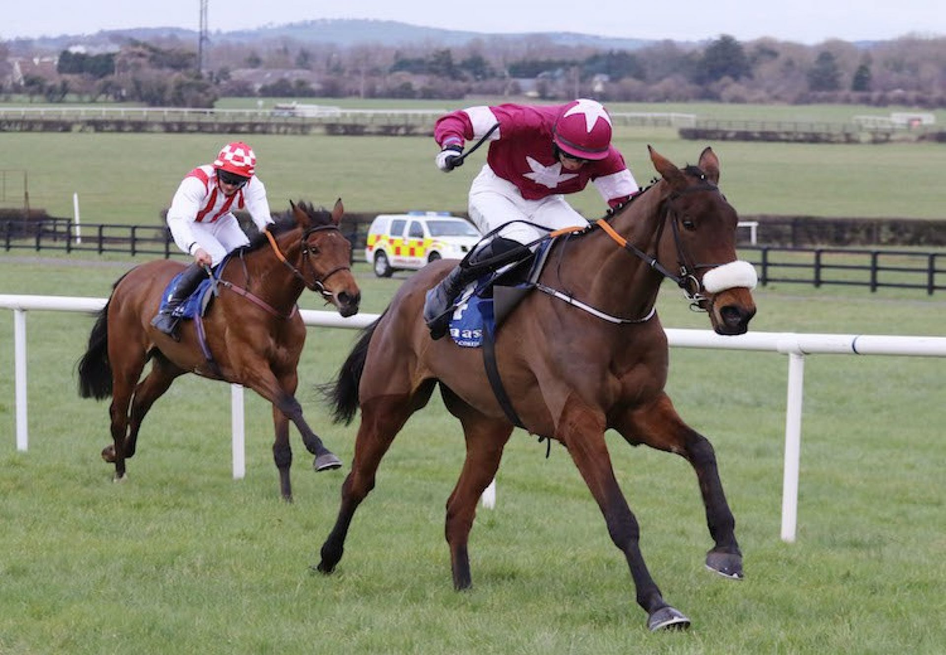 Shattered Love (Yeats) winning a bumper at Naas
