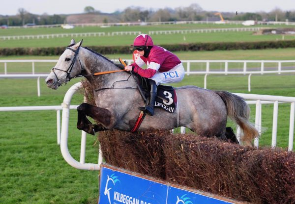 Cavalry Master (Milan) Wins The Beginners Chase In Kilbeggan