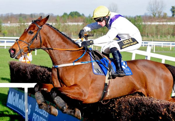 Moyhenna (Westerner) winning the Gr.2 Charleville Mares Novice Chase at Limerick