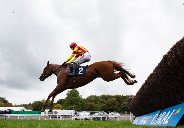 Jarveys Plate (Getaway) winning the Listed Novices' Chase at Chepstow