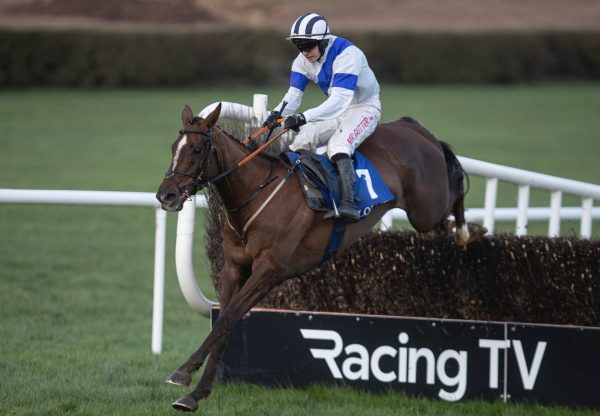 Tokyo Getaway (Getaway) Wins The Rated Novice Chase At Clonmel