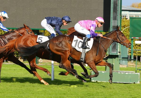 Wonderment (Camelot) winning th G1 Criterium de Saint-Cloud